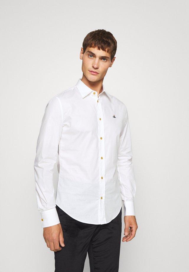 SLIM SHIRT - Skjorte - white