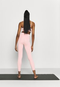Nike Performance - THE YOGA 7/8 - Leggings - pink glaze/rust pink - 2