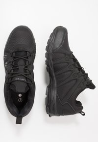 Hi-Tec - WARRIOR - Outdoorschoenen - black/grey - 1