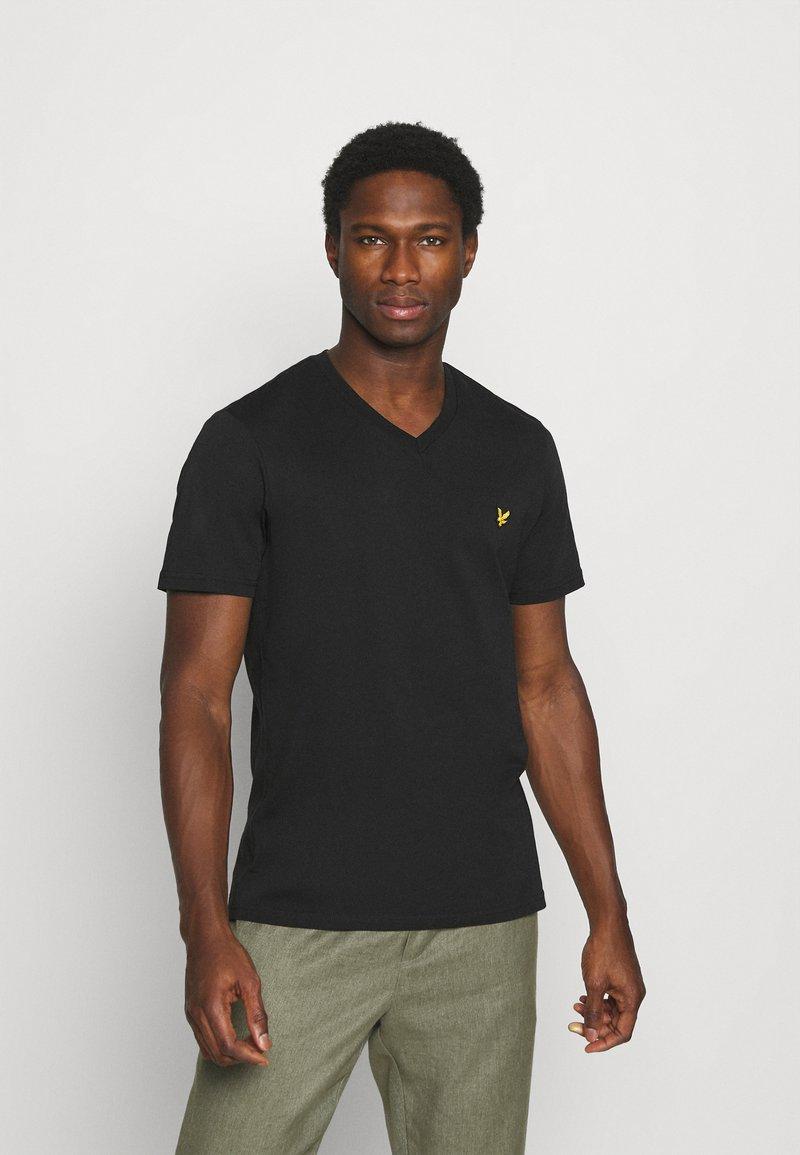 Lyle & Scott - V NECK - T-shirt - bas - true black