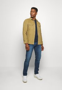 Redefined Rebel - RRNEW YORK - Slim fit jeans - mid blue - 1