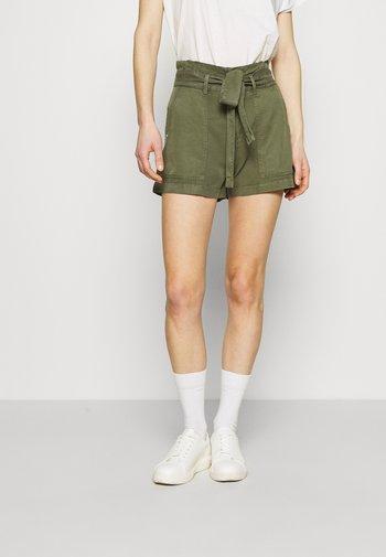 JANNA - Shorts - army sage