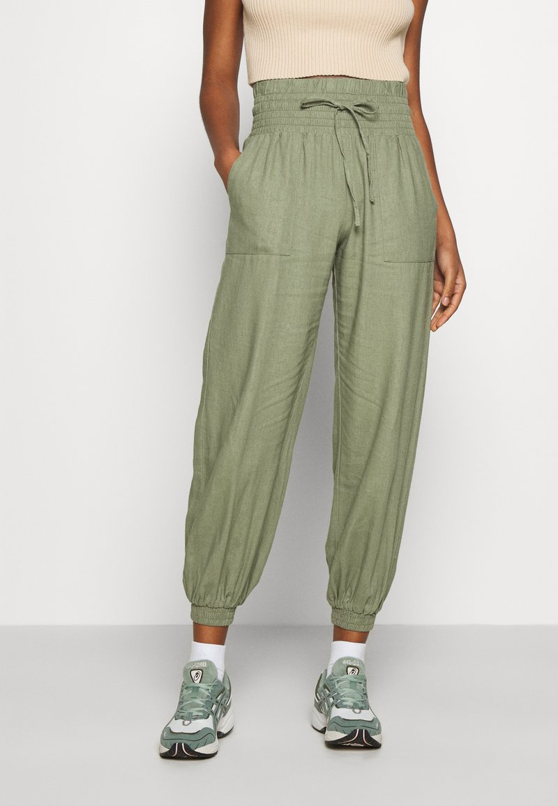 ONLY - ONLPALMA  MIX TRACK  - Tracksuit bottoms - oil green