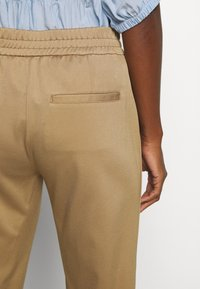 Marc O'Polo PURE - Trousers - mellow almond - 5