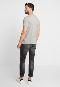 Esprit - NEW ICON - T-shirt z nadrukiem - medium grey - 2
