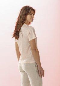 Rosa & Me - LELIA - Basic T-shirt - light blush - 2