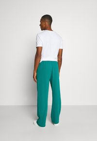 Jaded London - REWORK SCREEN PRINT - Pantalon de survêtement - green - 2
