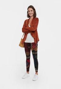 Desigual - GALACTIC - Pantalon en cuir - red - 1