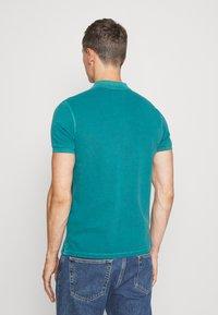Marc O'Polo - SHORT SLEEVE BUTTON PLACKET COLLAR AND CUFF - Polo shirt - alpine teal - 2