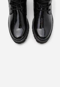 Marco Tozzi - BOOTS - Kotníkové boty na platformě - black - 4