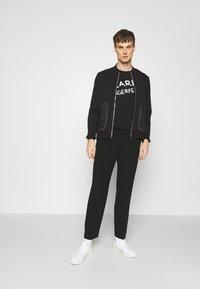 KARL LAGERFELD - ZIP JACKET - Felpa con zip - black - 1