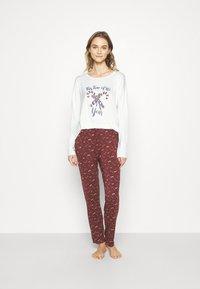 TOM TAILOR - XMAS ONECK  SET - Pyjamas - red dark allover - 1