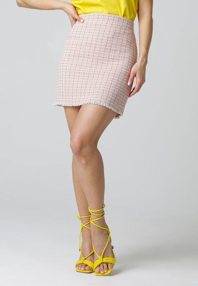 Pencil skirt - rosé