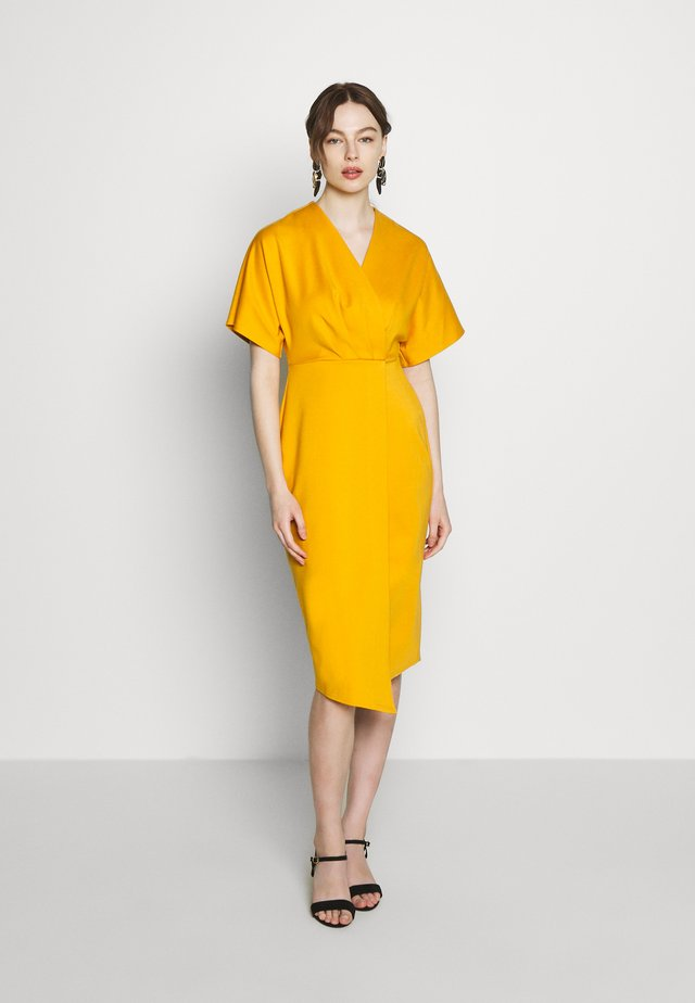 WRAP MIDI DRESS - Trikoomekko - mustard