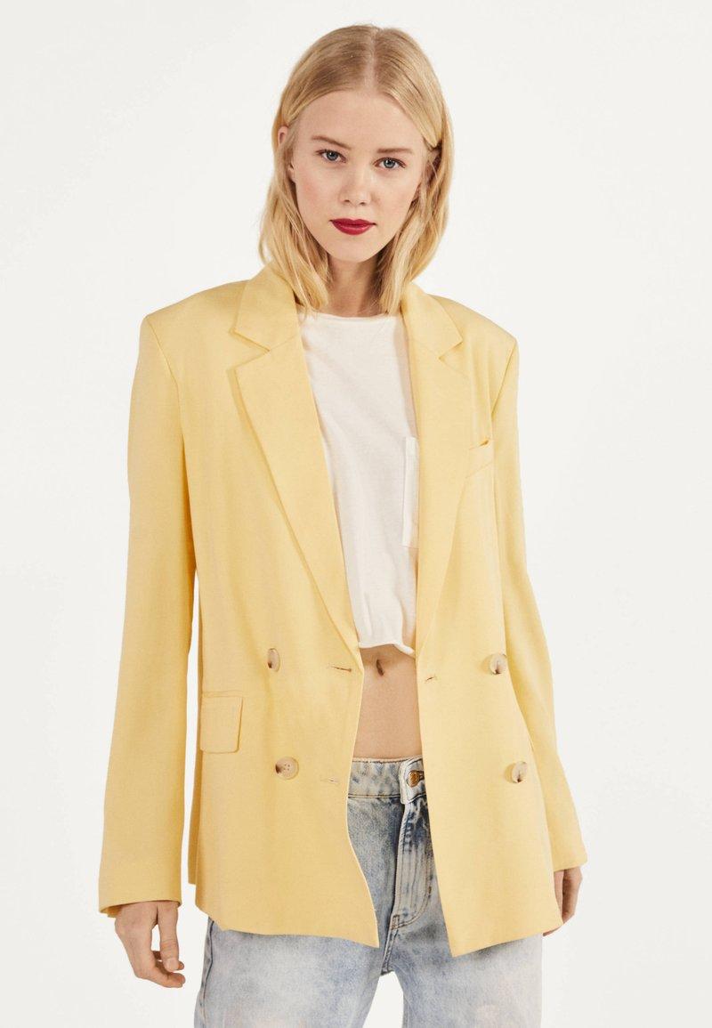 Bershka - Blazer - yellow