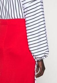 Filippa K - MARGARET SKIRT - Pouzdrová sukně - red orange - 6
