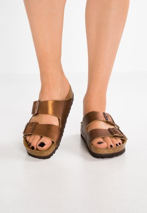 ARIZONA - Mules - washed metallic antique copper