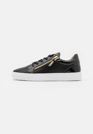 LEGACY - Zapatillas - black