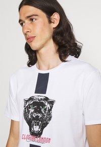 CLOSURE London - STRIPE ANIMAL TEE - Print T-shirt - white - 3