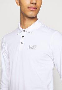 EA7 Emporio Armani - Koszulka polo - white - 5