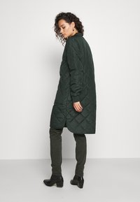 Selected Femme - SLFNATALIA QUILTED COAT - Bomber Jacket - scarab - 2