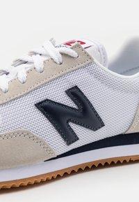 New Balance - 720 UNISEX - Trainers - white - 5