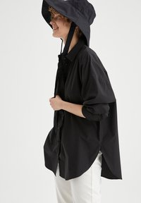 DeFacto - OVERSIZED - Button-down blouse - black - 3