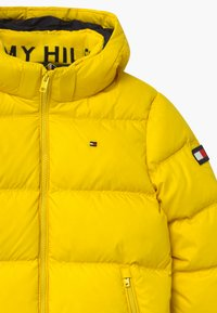Tommy Hilfiger - ESSENTIAL  - Down jacket - yellow - 3
