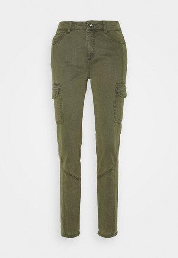 LANG - Slim fit jeans - green