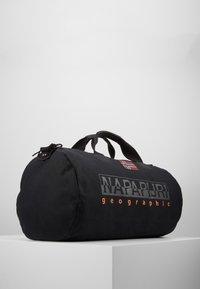 Napapijri - BERING  - Sportstasker - black - 3