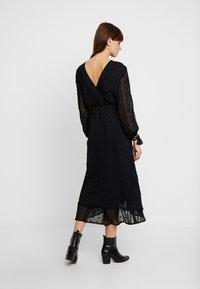 We are Kindred - COCO SPLIT SLEEVE MIDI DRESS - Denní šaty - black - 2