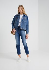 CLOSED - PEDAL PUSHER - Jeans Tapered Fit - mid blue - 1