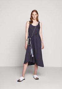 BLANCHE - DRAW DRESS TANK - Robe d'été - graphite - 1