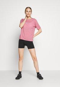 Mons Royale - SUKI TEE - T-shirts print - dusty pink - 1