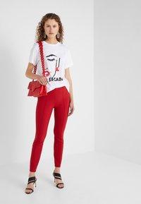 Escada Sport - EKOMIKI - T-shirt con stampa - white - 1