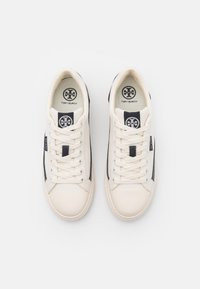 Tory Burch - CLASSIC COURT - Tenisky - ivory/perfect navy - 4
