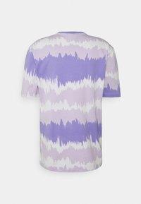 adidas Originals - UNISEX - Print T-shirt - light purple - 7