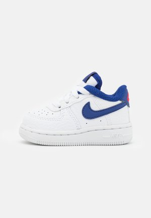 FORCE 1 UNISEX - Trainers - white/deep royal blue/universiyt red