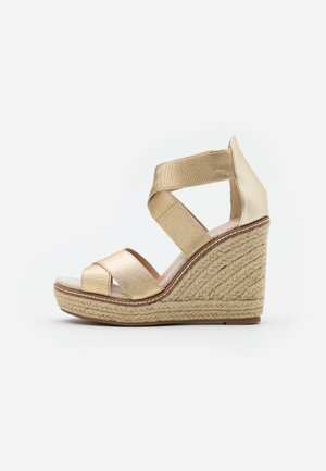 ECO REEL WEDGE - Sandály na vysokém podpatku - gold