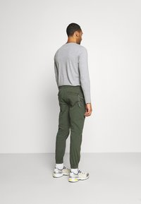 Redefined Rebel - TOBY PANTS - Trousers - thyme - 2