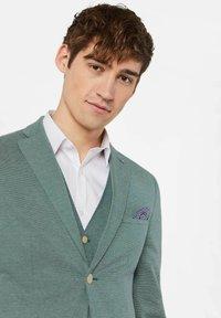 WE Fashion - WE FASHION HERREN-SKINNY-FIT-SAKKO MIT MUSTER - Suit jacket - green - 4