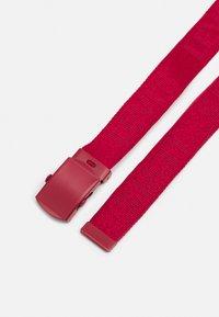 Levi's® - TONAL TICKFAW WEB BELT - Pasek - regular red - 1