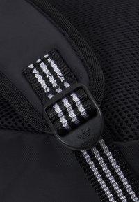 adidas Originals - BACKPACK UNISEX - Batoh - black/white - 3