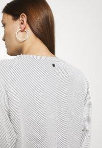 Calvin Klein - Jumper - white/black - 3