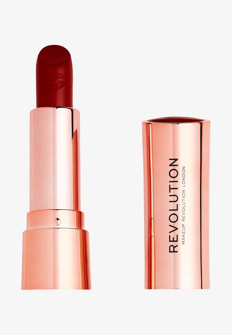 Make up Revolution - SATIN KISS LIPSTICK - Rossetto - ruby