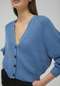 PULL&BEAR - Cardigan - mottled dark blue - 4