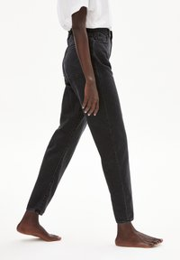 ARMEDANGELS - MAIRAA - Straight leg jeans - washed down black - 3