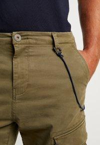 Dstrezzed - COMBAT PANTS  - Pantaloni cargo - army green - 5