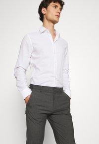 Burton Menswear London - SLIM 2 PACK - Kangashousut - black/grey - 4