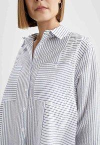 DeFacto - OVERSIZED  - Button-down blouse - blue - 4
